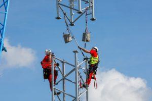 Vodafone zum Aufstellen des temporären Masten, Lawalde.