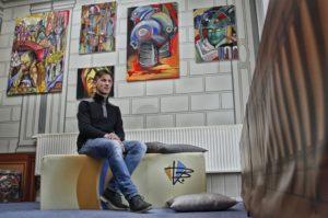 Künstler Steffen Rimpl in seinem Atelier in Löbau